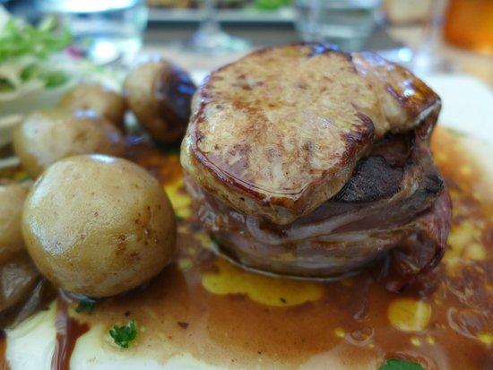 L'Ecluse 52: Canard with Foie Gras