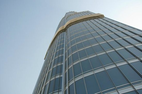 Burj Khalifa: looking up from the viewing platform; another 400 meters or so!