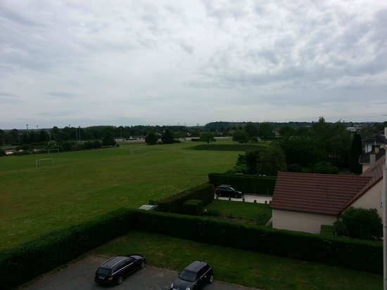 Brit Hotel Magdalena : Look out to Varennes-Vauzelles from our room