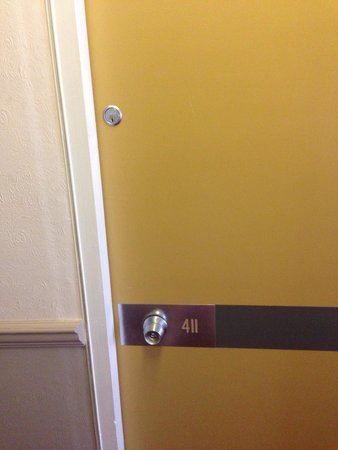 Hannafore Point Hotel: The door said it all!!