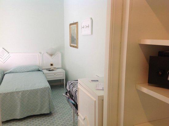 Grand Hotel Riviera : Economy Zimmer Nr. 98