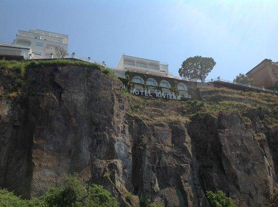 Grand Hotel Riviera: Grand Hotel vom Steg aus