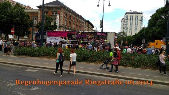 Ringstrasse: Regenbogenparade