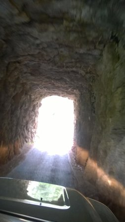 Needles Eye: Going thru a tunnel