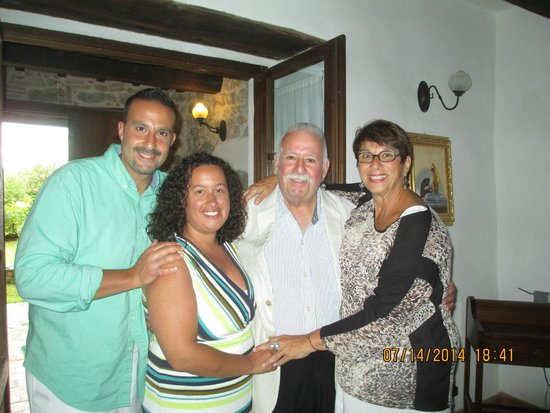 Villa Toscana La Mucchia: happy family in Suite 3