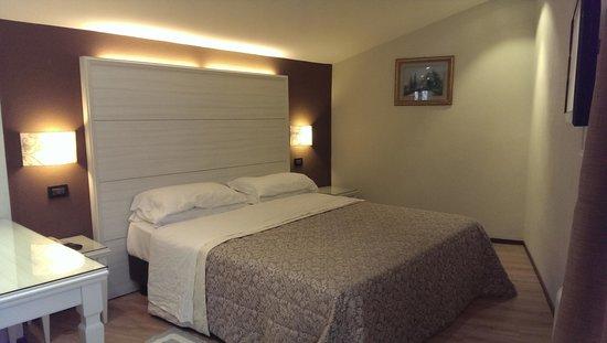 Best Western Hotel San Donato : Bedroom