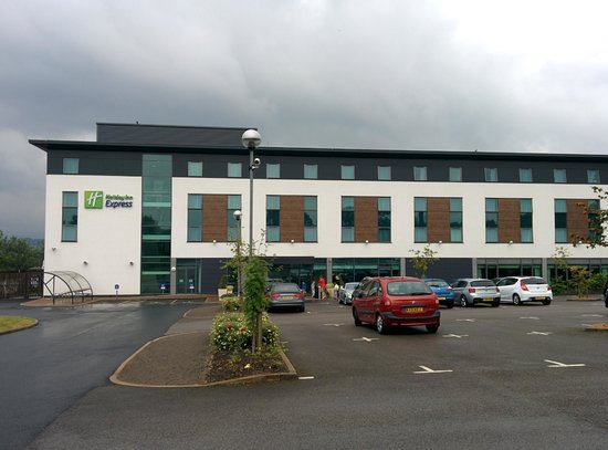 Holiday Inn Express Burnley: View of the Hotel
