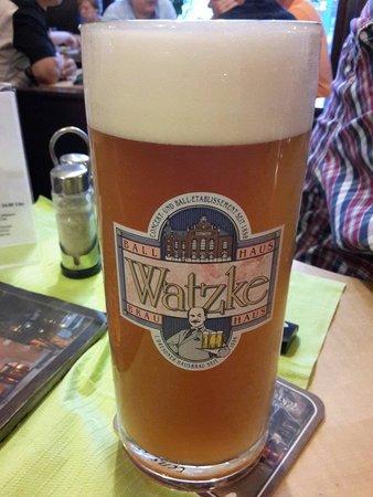 Hausbräu im Ballhaus Watzke: Das Alt-Pieschener Watzke Bier. Muss man getrunken haben :)