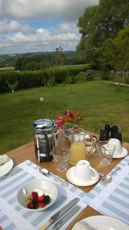 Fairways Bed and Breakfast: Breakfast on the terrace