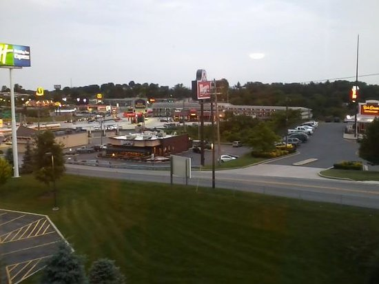 Holiday Inn Express Breezewood: View from room