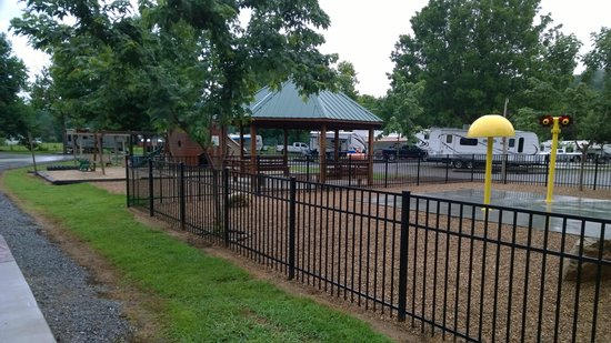 Big Meadow Family Campground: Water Area for Kids