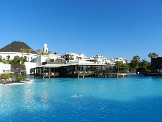 Hotel THe Volcan Lanzarote: Piscina principal