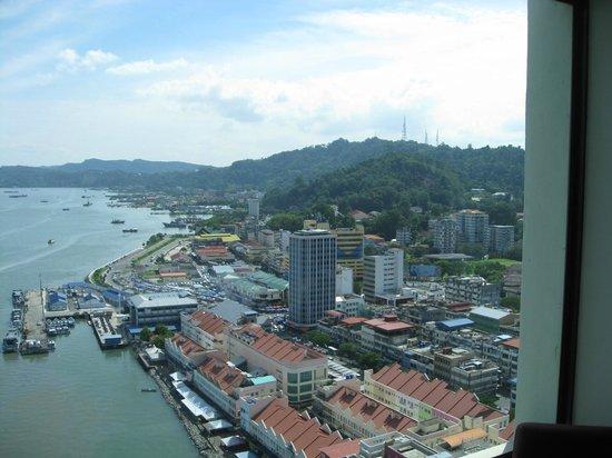 Four Points by Sheraton Sandakan : Blick aus unserem Hotelzimmer im 13. Stock