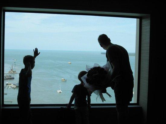 Four Points by Sheraton Sandakan : Blick wenn man im 13. Stock aus dem Aufzug aussteigt