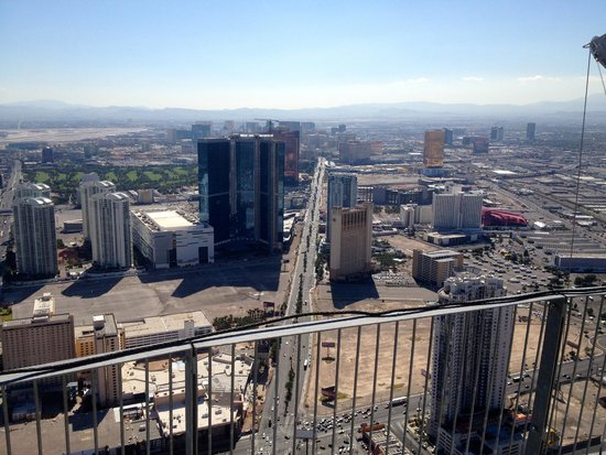 Stratosphere Tower: View8