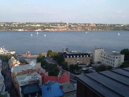 Hotel du Vieux-Quebec : the view from the old city