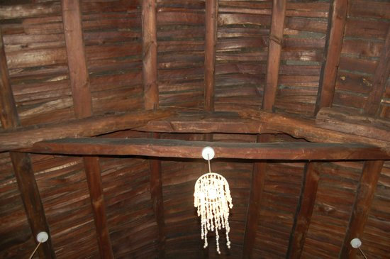 Teach Ceann Tui: charpente de la toiture en chaume