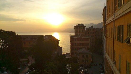 Villa Rosmarino : camogli at sunset