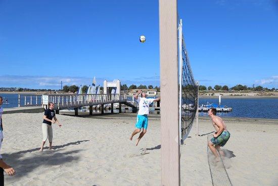 Hilton San Diego Resort & Spa: Sand Volleyball pits at Resort