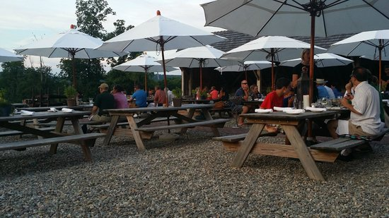 Wyebrook Farm Cafe and Market: Patio