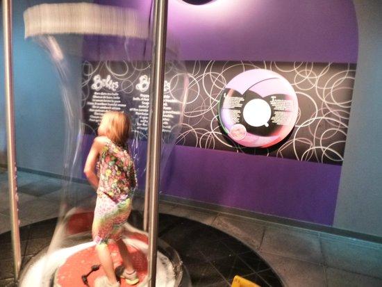 Centre des sciences de Montréal : Soap Bubble Before