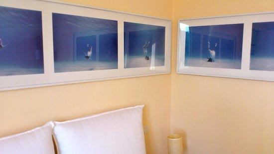 Villa Rosmarino : Swimming pool room art