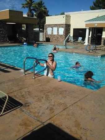 WorldMark Las Vegas - Tropicana Avenue : Swimming having a great time