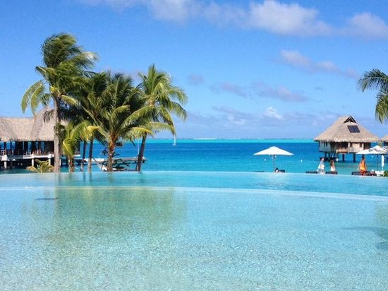 Hilton Bora Bora Nui Resort & Spa : Like a postcard, beautiful