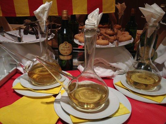 Aparthotel Best Da Vinci Royal : Национальный сосуд для вина в Каталонии
