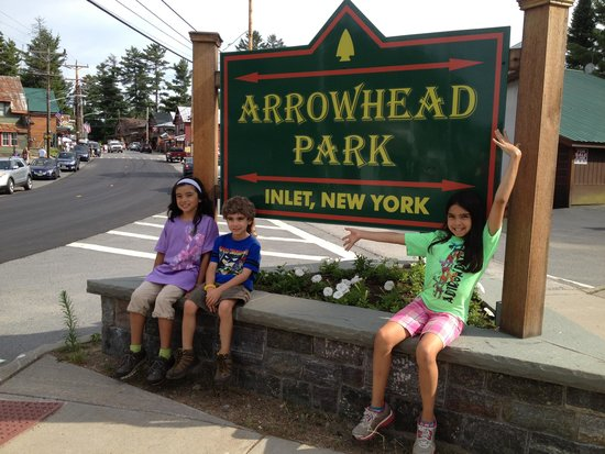 Inlet, Estado de Nueva York: Main Sign for Arrowhead Park