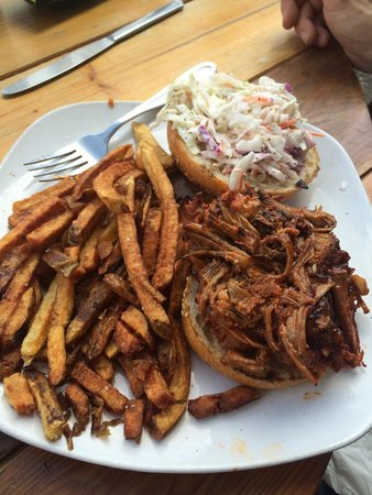 Boat House : Carolina's BBQ pulled pork and fries
