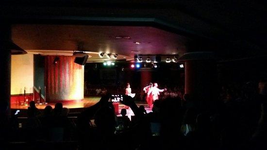 Dunas Mirador Maspalomas: Actuación y escenario