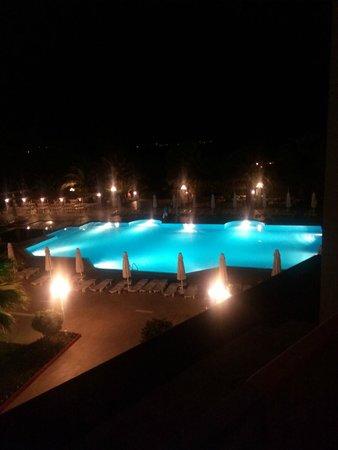 Halic Park Dikili: gece manzarası