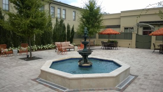 Southern Hotel Courtyard