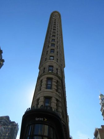 Flatiron Building end on.