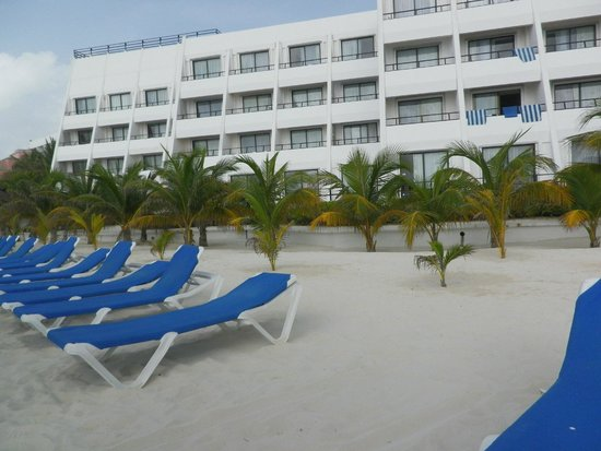 Flamingo Cancun Resort: View from the beach