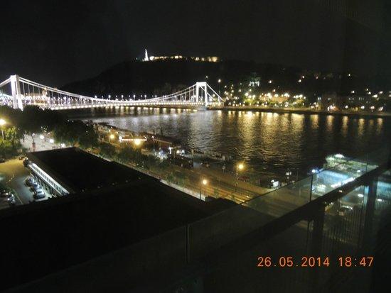 Budapest Marriott Hotel: Visão Noturna de Buda e Peste!!!
