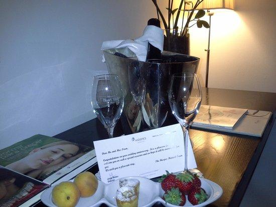 Hospes Maricel Mallorca & Spa: champagne!