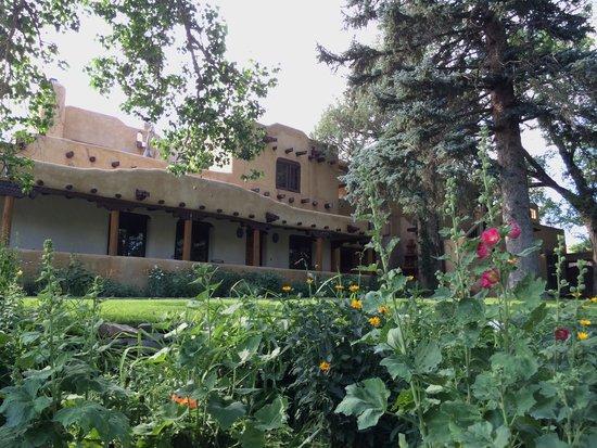 Inn on La Loma Plaza: Front Porch