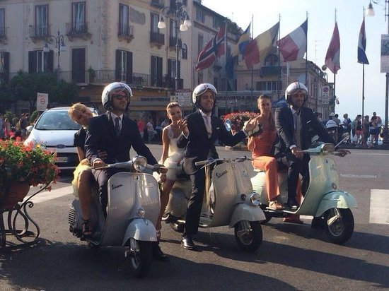 Matrimonio In Vespa : Vespa for wedding napolinvespa sposi in vespa matrimonio