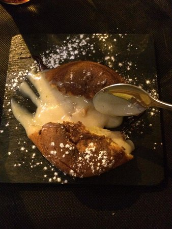 B Burger: White chocolate and Dulce de leche Coulant