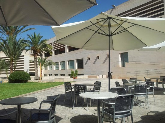 Pilar and Joan Miro Foundation in Mallorca: coffee bar view