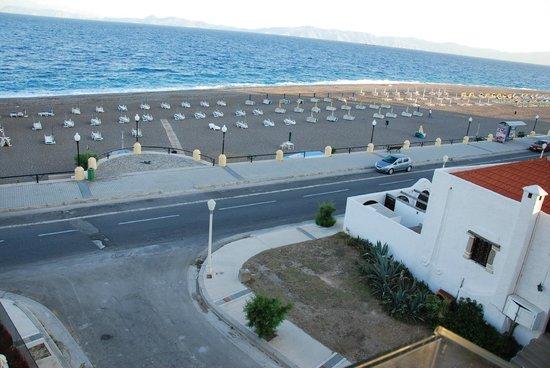 Bellevue Suites Hotel: Вид из окна замечательный, морской бриз- непередаваем
