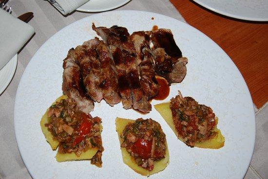 Bellevue Suites Hotel: Мясо, много мяса