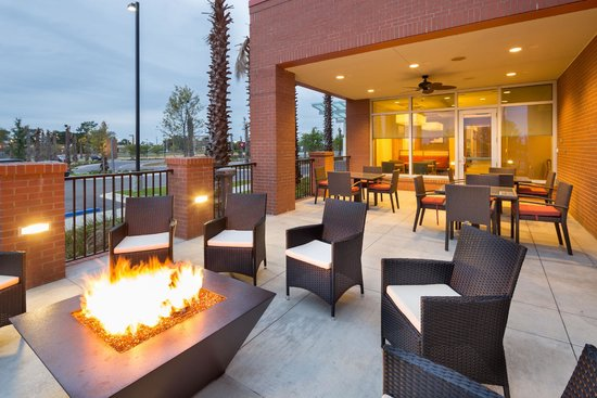 Hyatt Place Pensacola Airport: Outdoor Seating