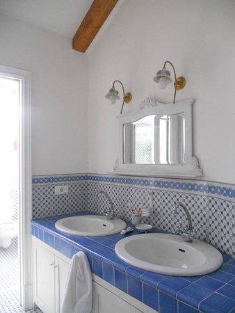 The Secret Garden Relais: bathroom