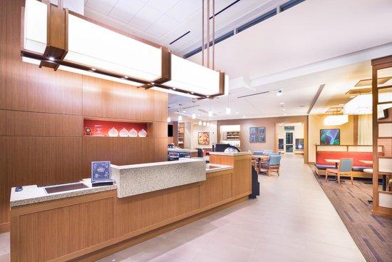 Hyatt Place Pensacola Airport: Front Desk