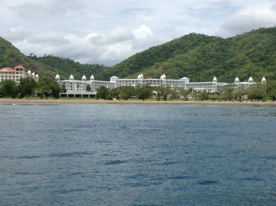 Hotel Riu Palace Costa Rica: Palace from the Boat