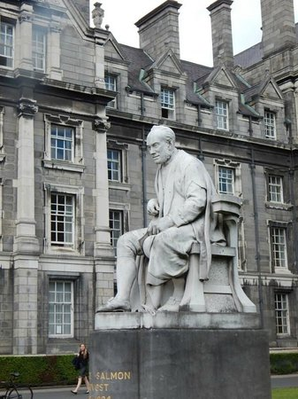 The Book of Kells and the Old Library Exhibition : Nearby Area worth seeing