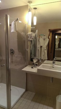 Mercure Bordeaux Chateau Chartrons Hotel : salle de bain